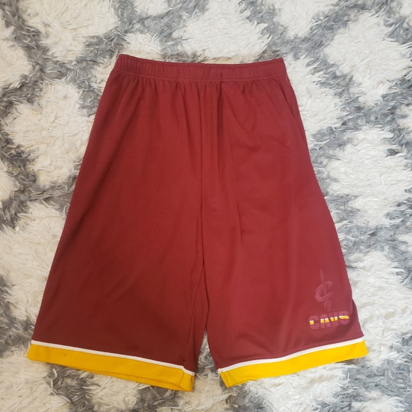 Cleveland Cavs shorts small